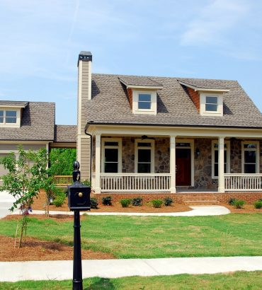 What are the major types of real estate?